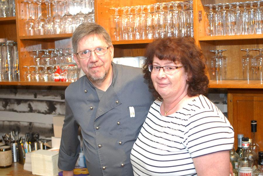 Maik Weitze und Susanne Zehren sind die Betreiber der Olewiger Vereinsgaststätte